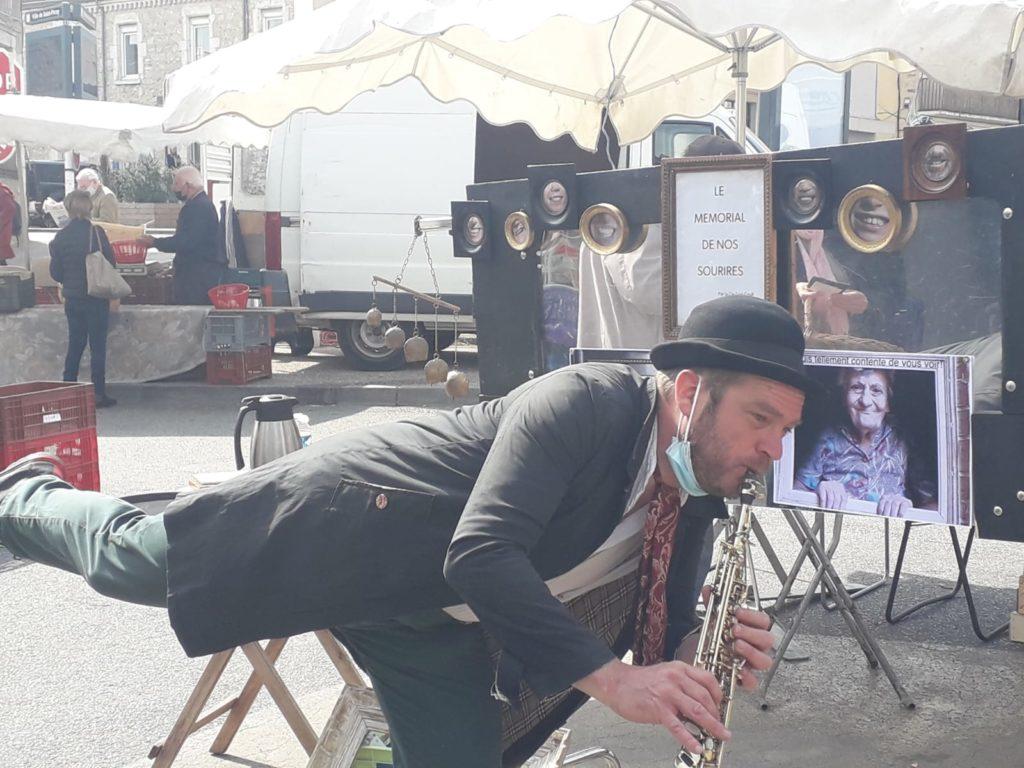 Le mémorial de nos sourires Accompagné en musique sur le marché de St Peray